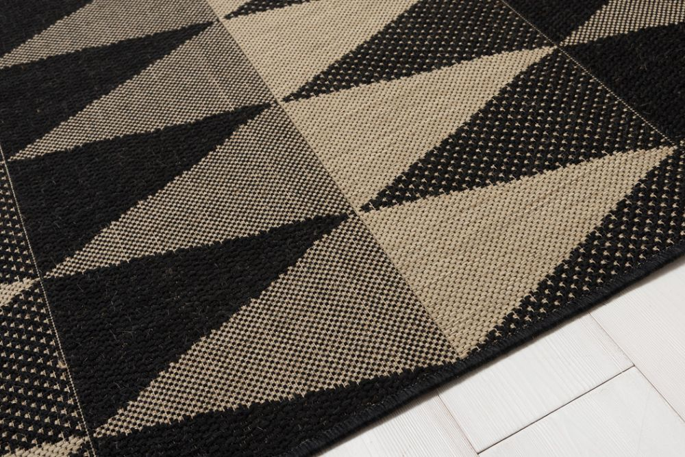 Multikon Black/Beige 135x190