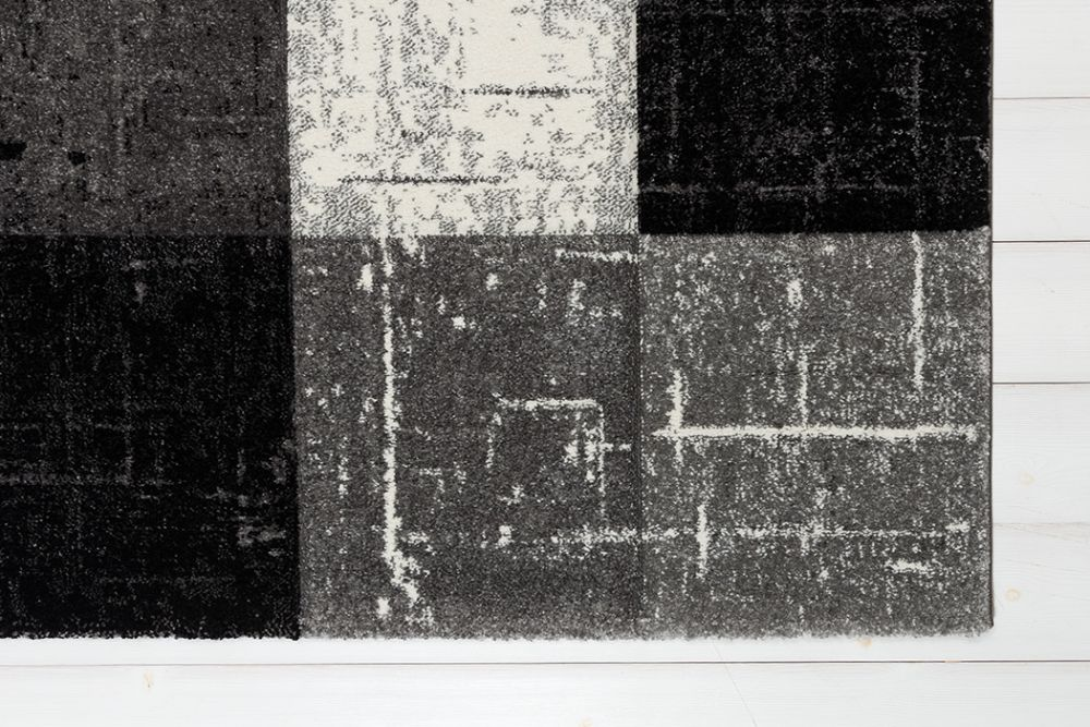 Moody Square Black 160x230