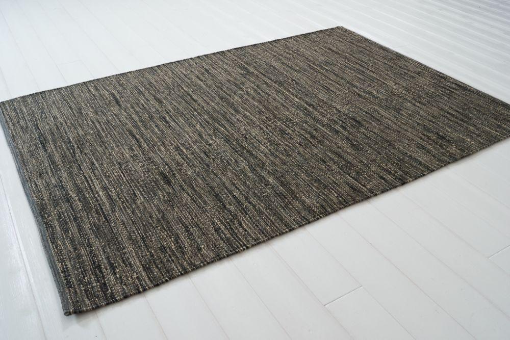 Sindra Schwarz 140x200